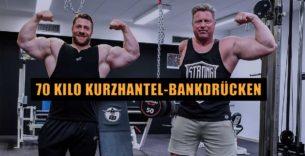 Titelbild: Tim Budesheim trainiert mit einarmigen Kraftsportler