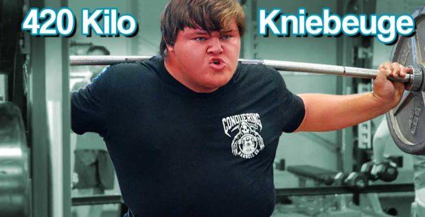 Titelbild: Jackson Powell beugt 2x 420 Kilo
