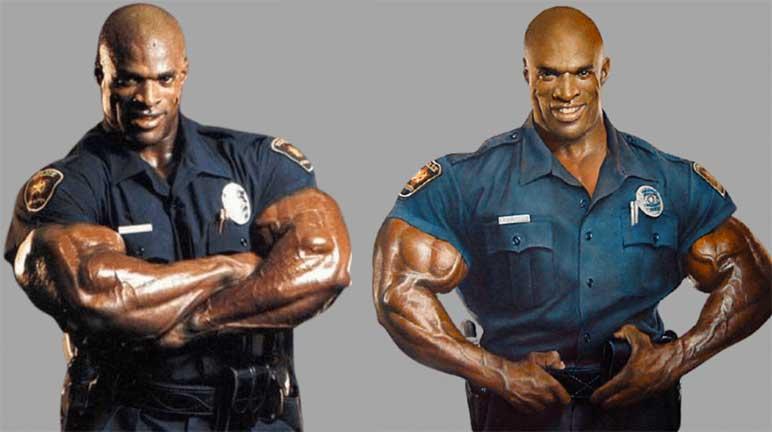 Bild: Ronnie Coleman in Polizei-Uniform