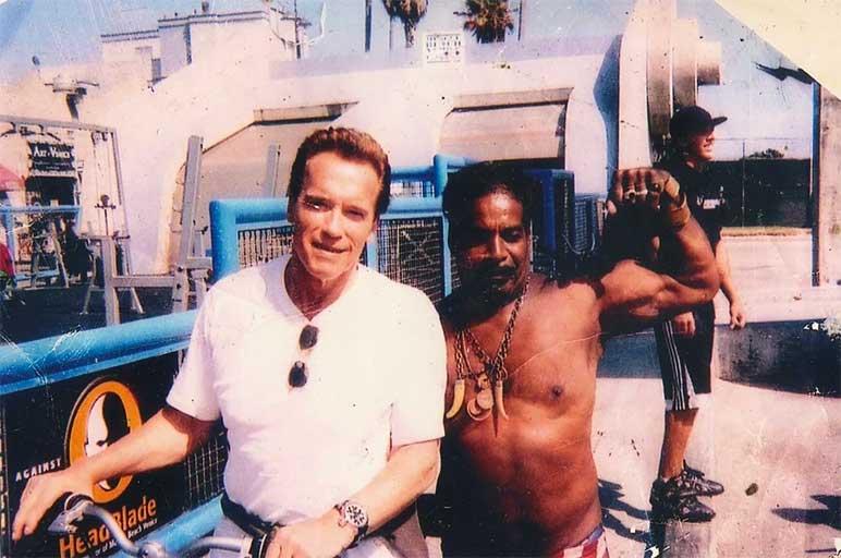 Bild: Arnold Schwarzenegger mit Bill Pettis
